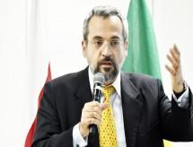 Novo ministro do MEC anuncia troca de quatro secretários e da Secretaria-Executiva