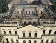 Após incêndio que arrasou acervo, MEC corta R$ 12 milhões do Museu Nacional