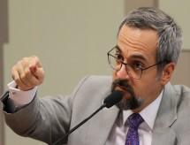MEC: Proposta final para o Revalida ainda está em fase de estudos