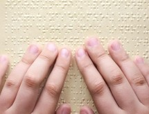 MEC mantém comissão que atualiza, padroniza e aplica o Braille no Brasil