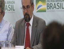 Corte de R$ 926 milhões na Educação foi para pagar emendas, diz Weintraub