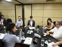 MEC e deputados de comissão externa da Câmara discutem orçamento da pasta