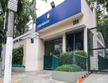 Pais e mães pressionam colégios de elite em SP por medidas antirracistas