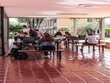 Setor de educação pressiona Maia para excluir despesas de teto de gastos