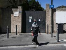 França fecha 22 escolas três dias após volta às aulas