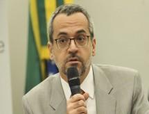 MEC quer condicionar repasse para estados a resultados na educação
