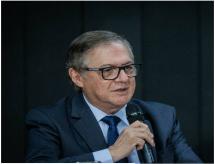 Vélez não detalha planos para educação, mas defende cotas em universidades