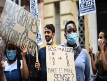 'Algoritmo roubou meu futuro': solução para 'Enem britânico' na pandemia provoca escândalo