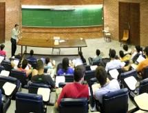 Ensino superior: número de professores doutores cresce 6,4% em um ano