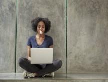 Universidade online oferece 15 mil bolsas para profissões do futuro