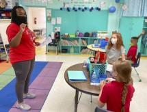 Debate sobre volta às aulas nos Estados Unidos acirra disputa política