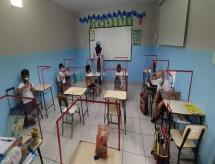 Conselho de secretários estaduais critica em nota projeto de lei para incluir aulas presenciais como atividade essencial