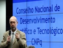 Presidente do CNPq é exonerado e governo nomeia chefe da Fapemig para o cargo