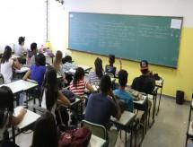 Seis em cada 10 que concluem ensino médio não seguem estudo, revela IBGE