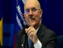Com menos barulho, Milton Ribeiro deixa MEC mais bolsonarista que Weintraub