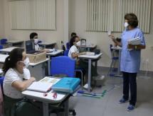 Justiça suspende resolução que pretendia remover debate sobre diversidade étnica, religiosa e de gênero em escolas de Manaus