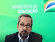 Ministro da Educação desmente informação sobre adiamento do Enem 2020