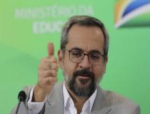 Bolsonaro descarta Feder e avalia ex-assessor de Weintraub que advogou para Anhanguera