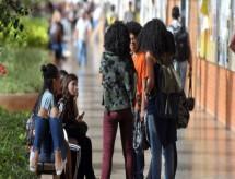 Lei de cotas em universidades será revista em 2022. Medida deve ser renovada?