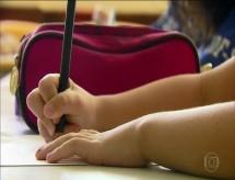 Acabar com investimento mínimo em educação é 'impensável' e coloca orçamento 'em risco', dizem entidades