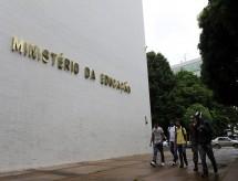 Estrangeiros podem concorrer a graduação gratuita até quarta, 31