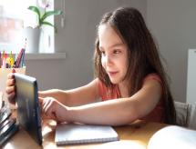 Portal de Periódicos oferta material para ensino em casa