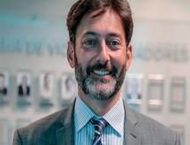 MEC recebe embaixador do Reino Unido no Brasil