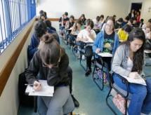 À espera de vacina, 38% dos estudantes adiam entrada na universidade