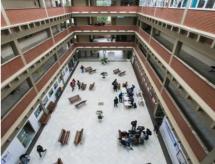 Priorizar o gasto em educação básica ou ensino superior? Especialistas analisam o assunto