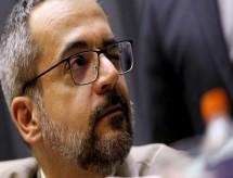 Alcolumbre avalia devolver MP que dá poder a Weintraub para nomear reitores