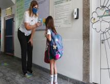 Rio: Escolas particulares reabrem com baixa adesão e decisões divergentes