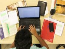 Percentual de alunos desmotivados em estudar na pandemia chega a 54% em setembro, diz pesquisa