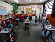 Estado também testará alunos e professores