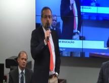 Convocado pela Câmara, Weintraub reafirma que há produção de drogas em universidades federais
