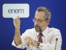 MEC identifica 6.000 erros em notas do Enem e novas falhas