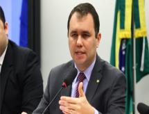 Autor da proposta calcula que 170 mil vagas a mais no FIES custariam R$ 2 Bilhões